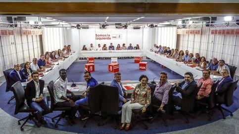 El PSOE convocará pronto a Podemos y C's para frenar las políticas del PP