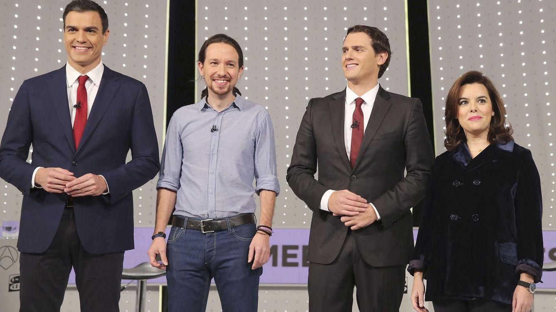 Foto: De izquierda a derecha, Pedro Sánchez, Pablo Iglesias, Albert Rivera y Soraya Sáenz de Santamaría. (Efe)