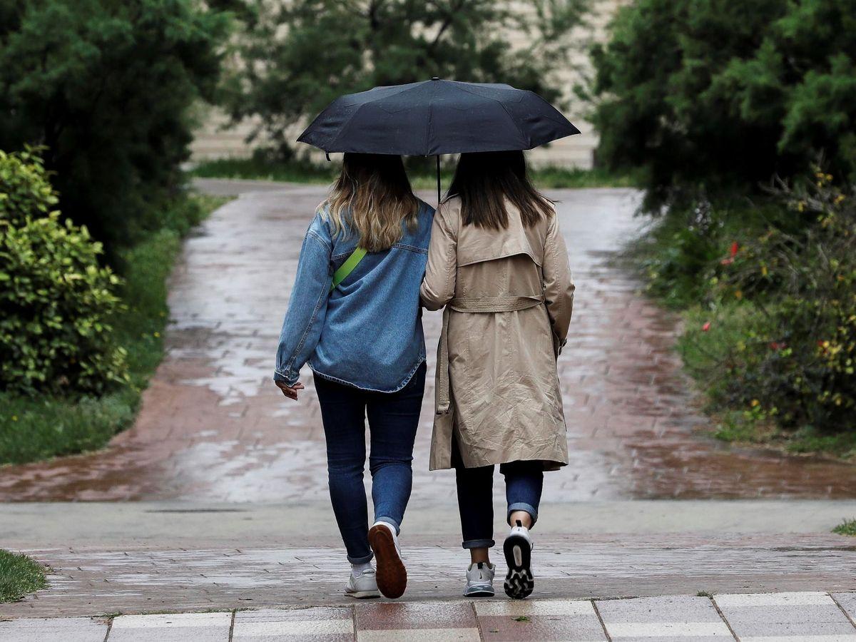 Foto: Un día de lluvia en Valencia en junio de 2021 (EFE)