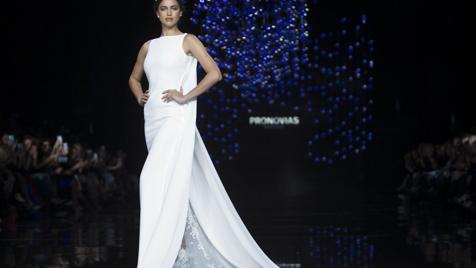 Foto: La modelo rusa Irina Shayk, durante el desfile de Pronovias en Barcelona. (EFE)