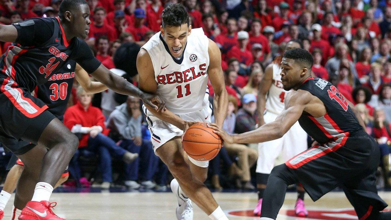 Sebas Saiz jugó cuatro años en la Universidad de Mississippi. (@OleMissMBB)