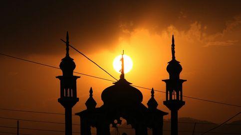 Atardecer desde una mezquita de Islamabad y erupción del volcán Etna: el día en fotos