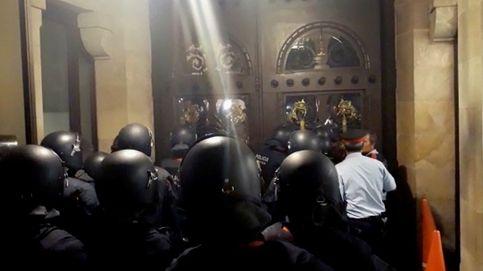 Así resistieron los 'mossos' la turba de radicales desde dentro del Parlament