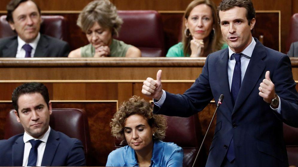 Foto: El presidente del PP, Pablo Casado interviene en la sesión de control. (EFE)