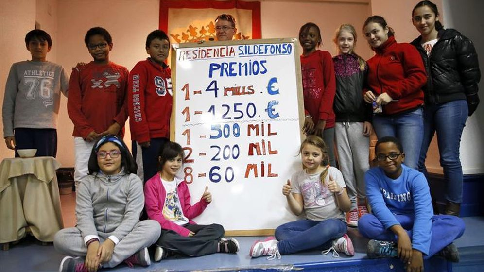 Foto: Niños de San Ildefonso, en una imagen de archivo (EFE)