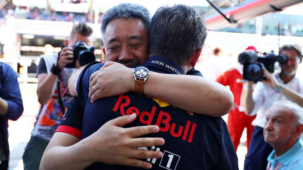 Foto: Dos jefes en un abrazo. (@HondaRacingF1)