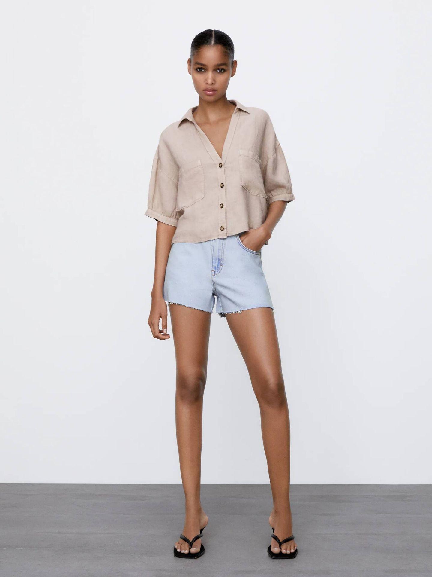 Camisa de lino de tendencia utility de Zara. (Cortesía)