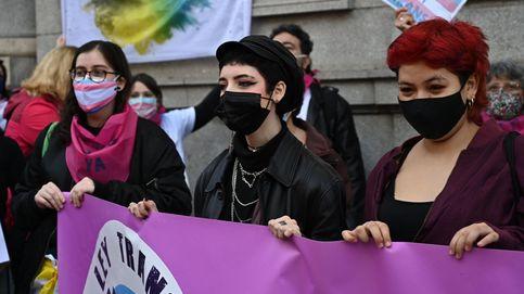 Igualdad acusa de nuevo al PSOE de bloquear las leyes trans y LGTBI