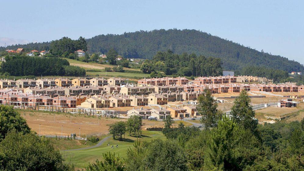 Foto: La urbanización Costa Miño Golf en julio de 2008. (EFE)