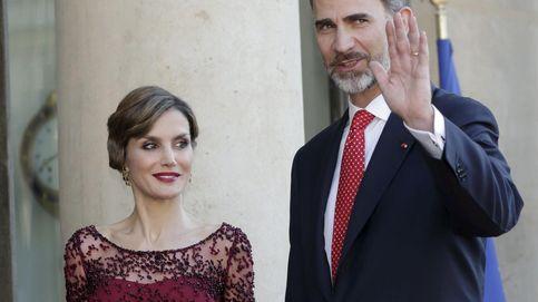 La Reina no se la juega en París y vuelve a apostar por Felipe Varela