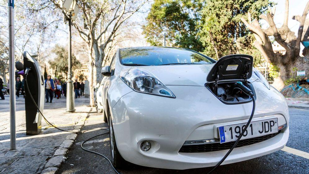 Foto: Recarga de un coche eléctrico. (EFE)