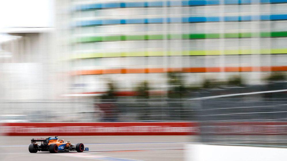 Foto: Sainz partirá desde la tercera línea en el GP de Rusia (McLaren)