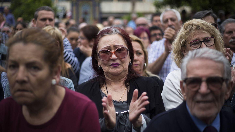 Caridad, en el centro de la imagen, en la concentración en Algeciras.