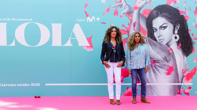 Rosario y Lola Flores, este martes en la apertura de la 13 edición del FesTVal. (EFE)