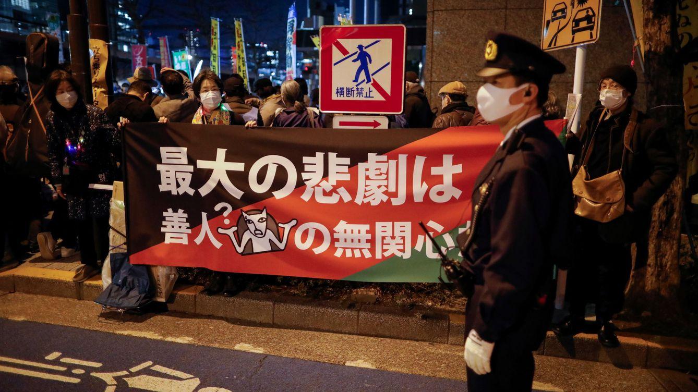 Foto: Protestas anti nucleares delante de las oficinas centrales de Tepco (Reuters).