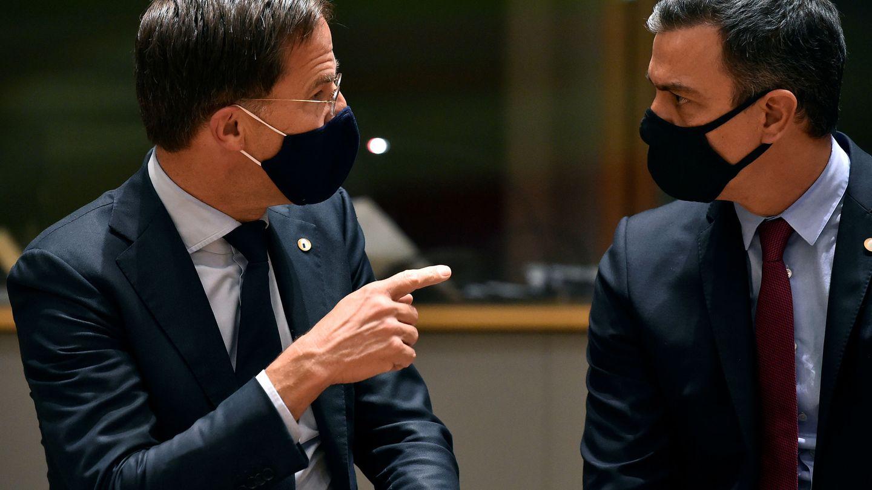 El presidente del Gobierno, Pedro Sánchez, y el primer ministro de los Países Bajos, Mark Rutte. (Reuters)