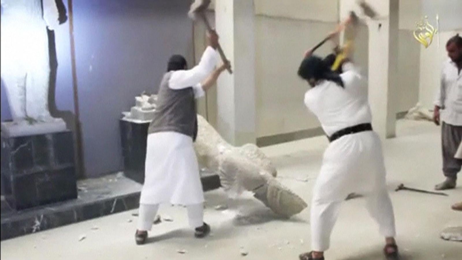 Foto: Las estatuas destruidas por el ISIS en el museo de Mosul eran copias de las originales (Reuters)