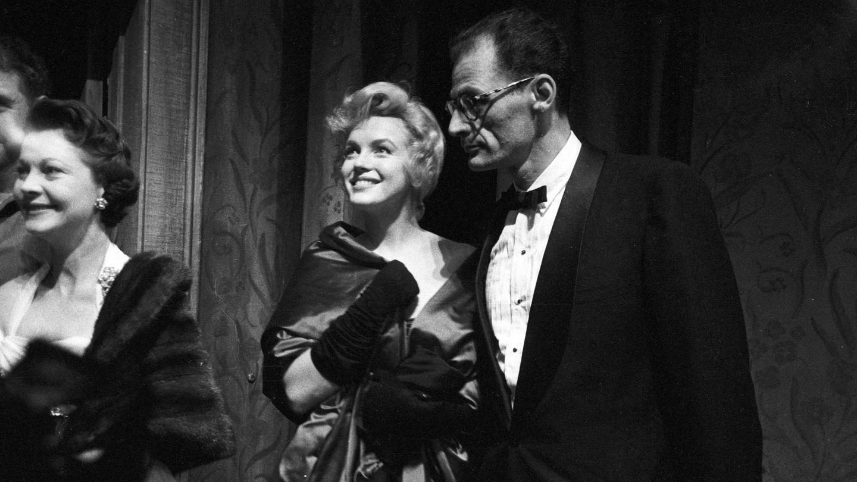Marilyn, entre Arthur Miller y Vivien Leigh.(Cordon Press)