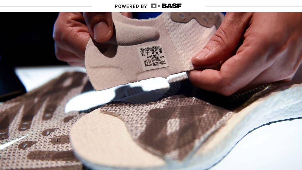 Foto: La iniciativa Futurecraft.Loop, desarrollada entre Adidas y BASF, permite reciclar calzado usado para reconvertirlo en nuevo. (Reuters)