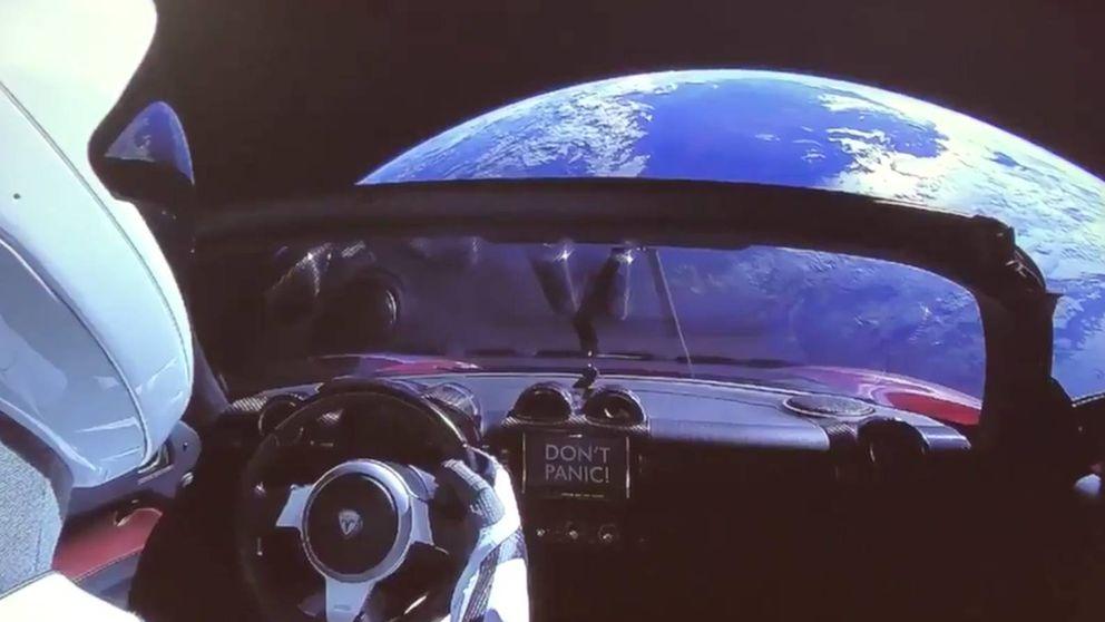 No te flipes, Musk: tu Tesla Roadster no aguantará ni un año en el espacio