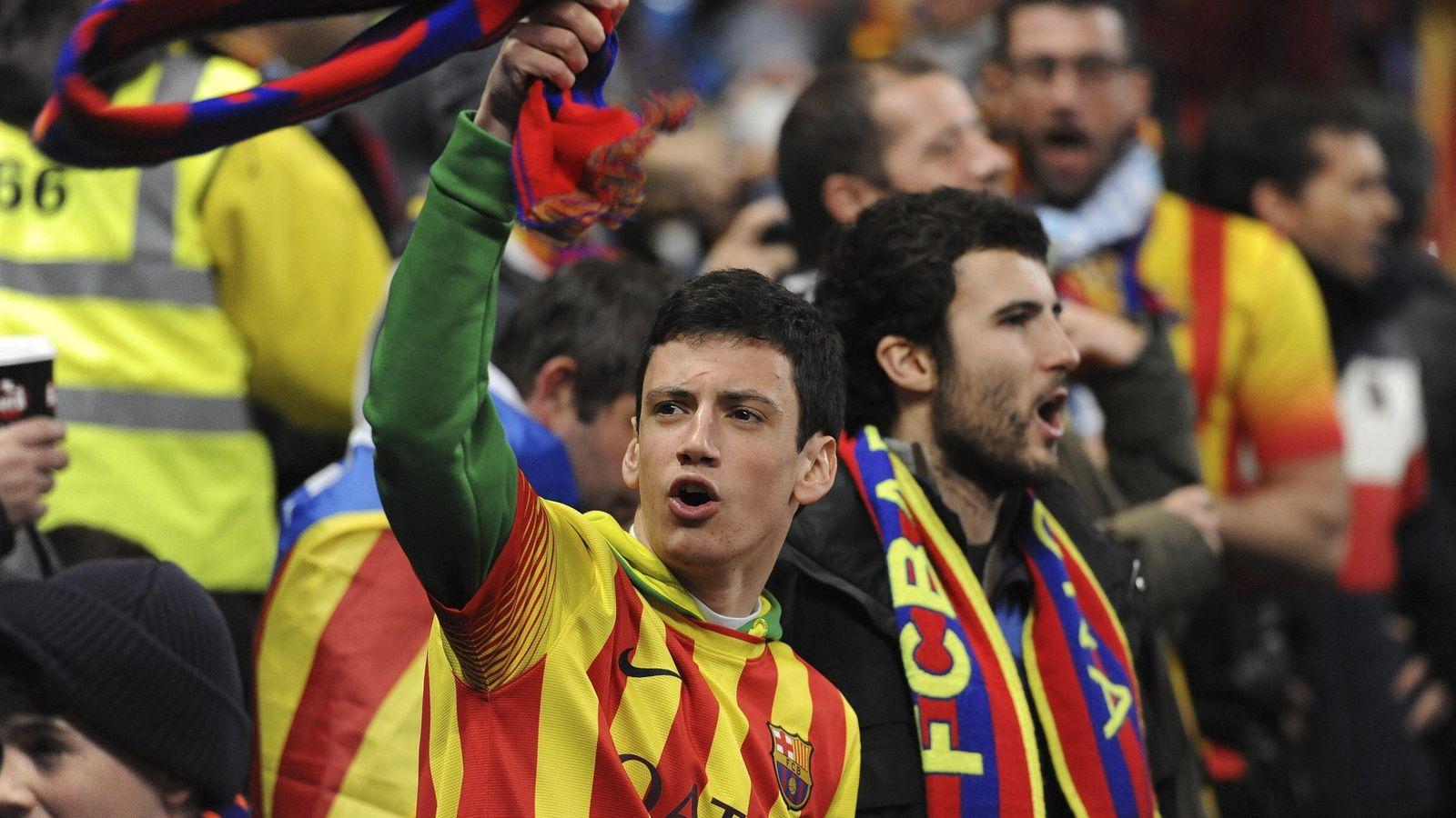 Foto: Aficionados del Barcelona en Manchester (EFE)