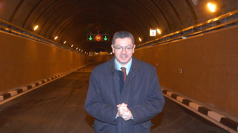 Foto: El exalcalde de Madrid, Alberto Ruiz Gallardón, en uno de los túneles de la M-30. (Ayuntamiento de Madrid)
