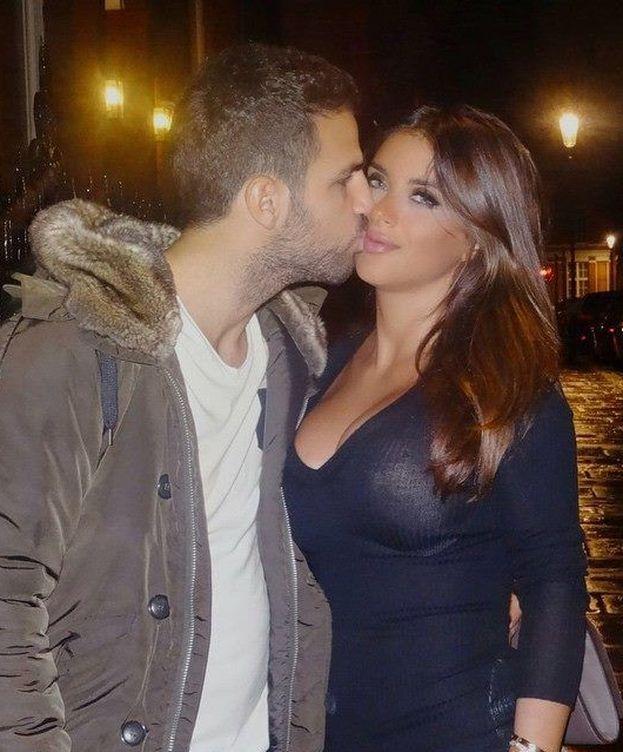 Foto: Cesc Fàbregas y Daniella Semaan en una imagen de Facebook