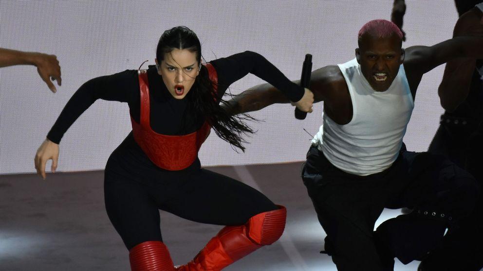 El look viral de Yolanda Ramos en los Feroz: ¿Pedroche o Wonder Woman?