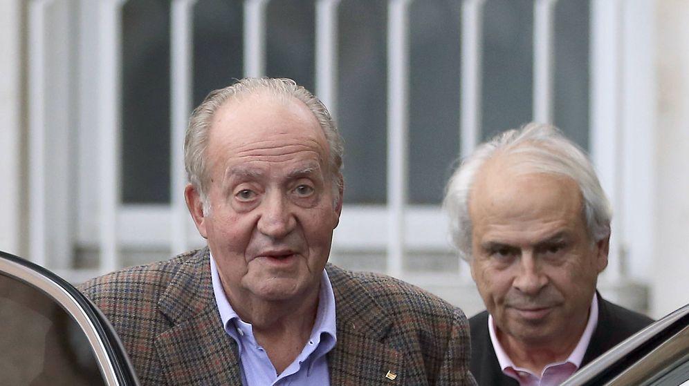 Foto: El rey don Juan Carlos y su amigo Miguel Arias en una imagen de archivo. (Gtres)