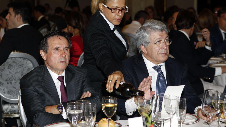 El empresario Ramón Mesas con el productor Enrique Cerezo (Gtres)