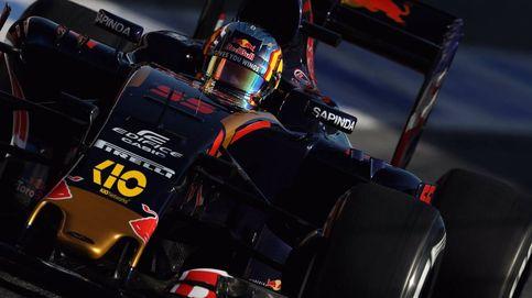 Sainz: Antes de adelantarme, Alonso no venía respetando los límites de la pista