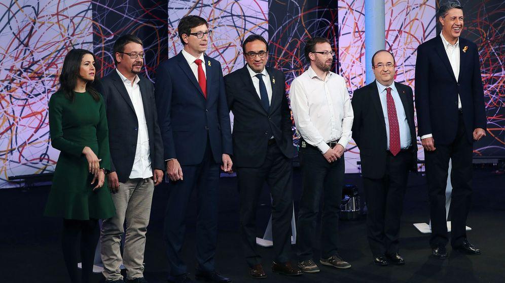 Foto: Inés Arrimadas y Xavi Domènech durante el debate electoral organizado por 'LaSexta'. (EFE)