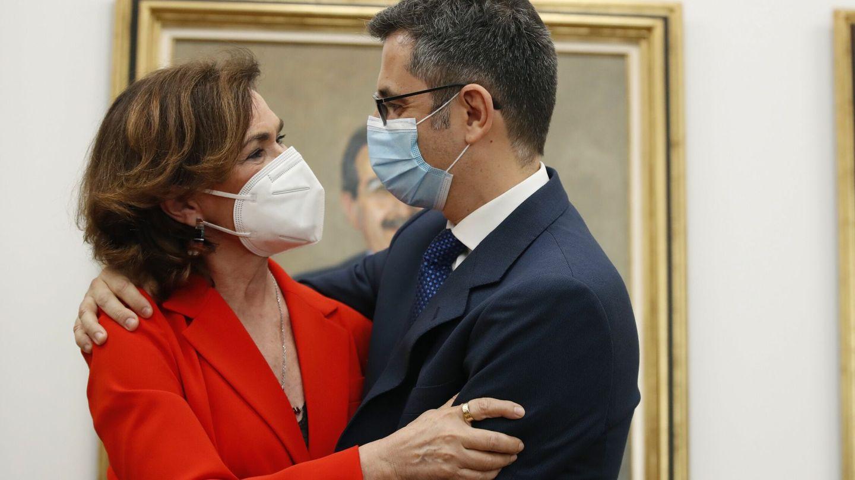 Carmen Calvo y Félix Bolaños. (EFE)