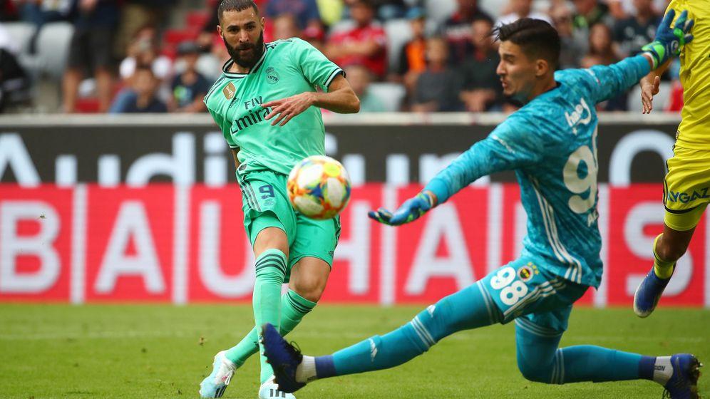 Foto: Bemzema en uno de los goles ante el Fenerbahce. (REUTERS)