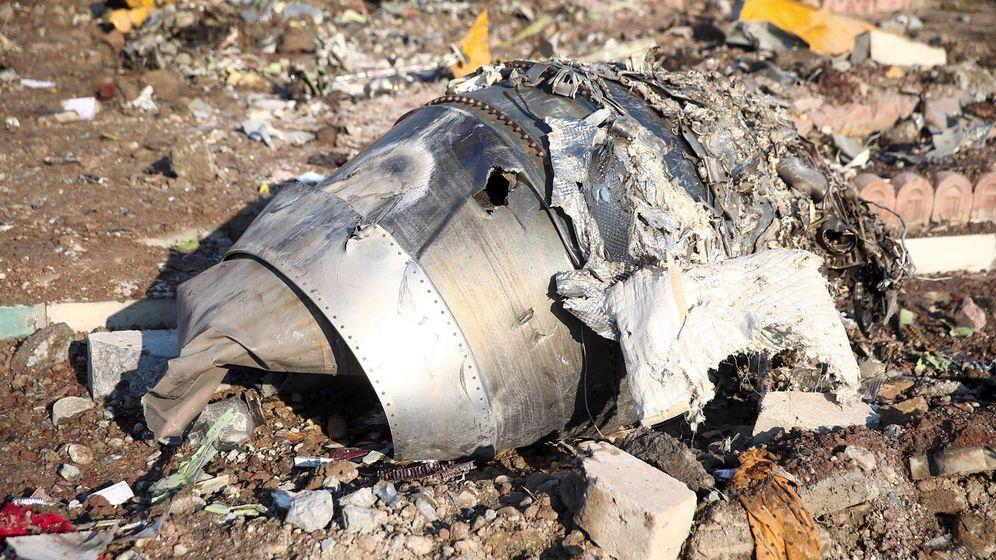 Foto: Restos del avión ucraniano estrellado cerca del aeropuerto de Teherán. (Reuters)