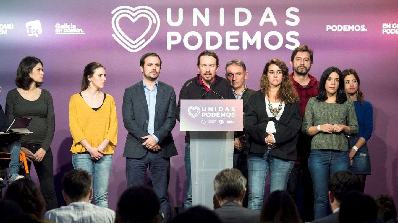 Pablo Iglesias e Irene Montero,  compareciendo tras el recuento. (EFE)