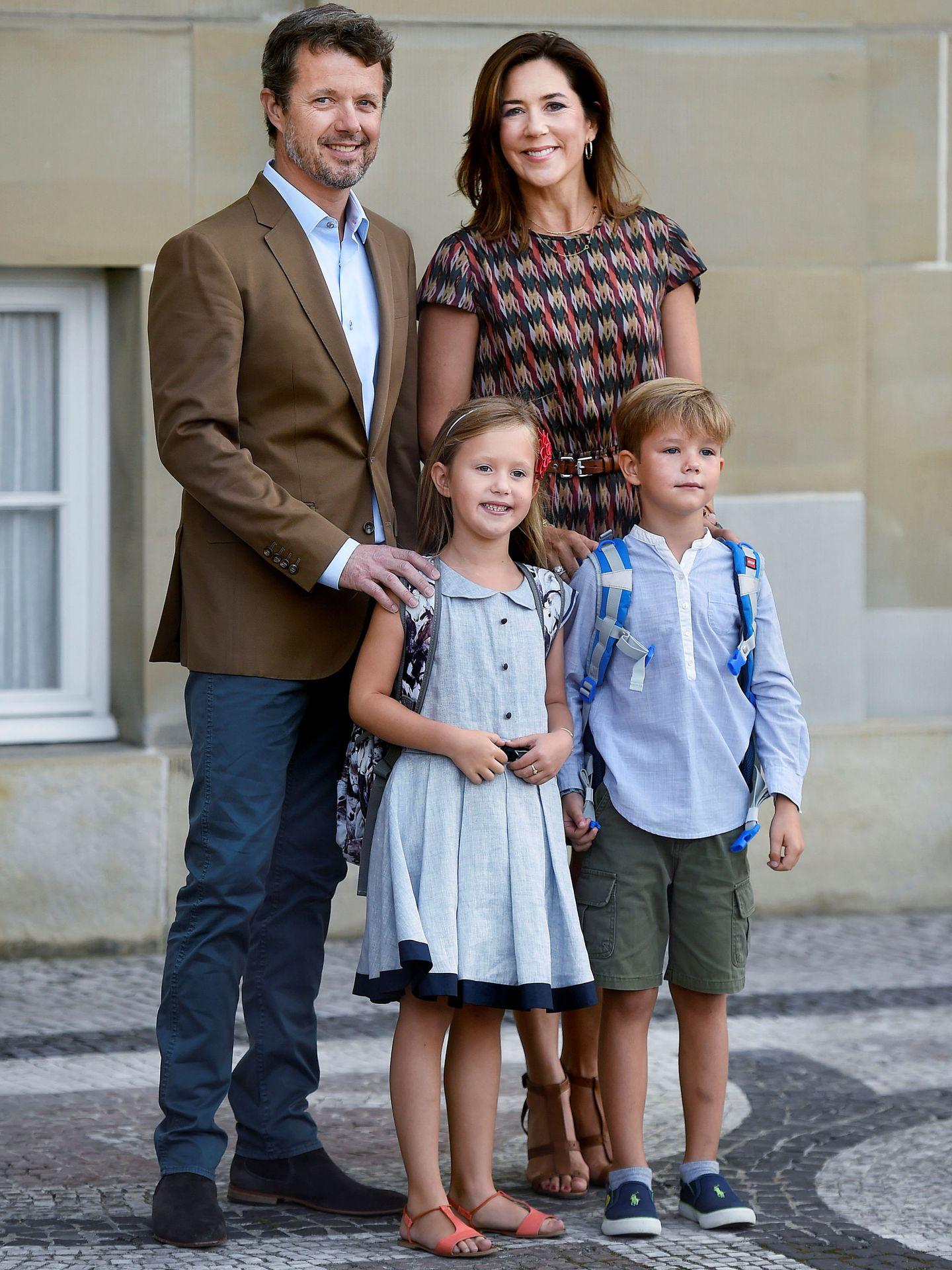 Vincent y Josephine con sus padres. (Reuters)