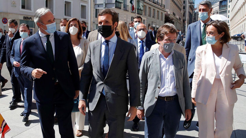 Numerosos alcaldes del PP acudieron al debate de los remanentes. (EFE)