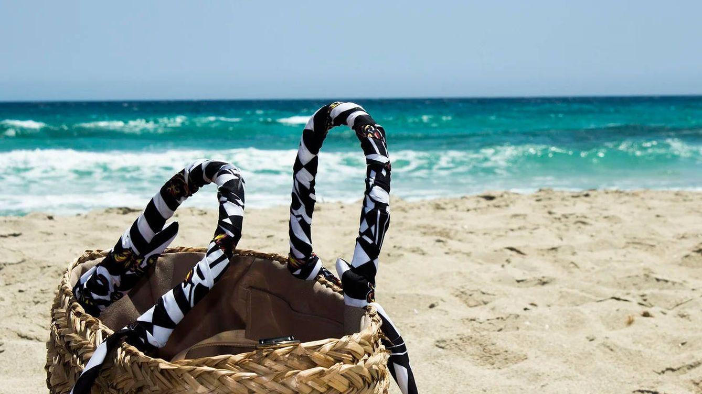 Bolsos de playa con los que triunfar este verano en la arena y en la piscina