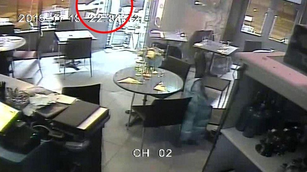 Un fallo en el arma de un yihadista evitó una masacre en otro restaurante