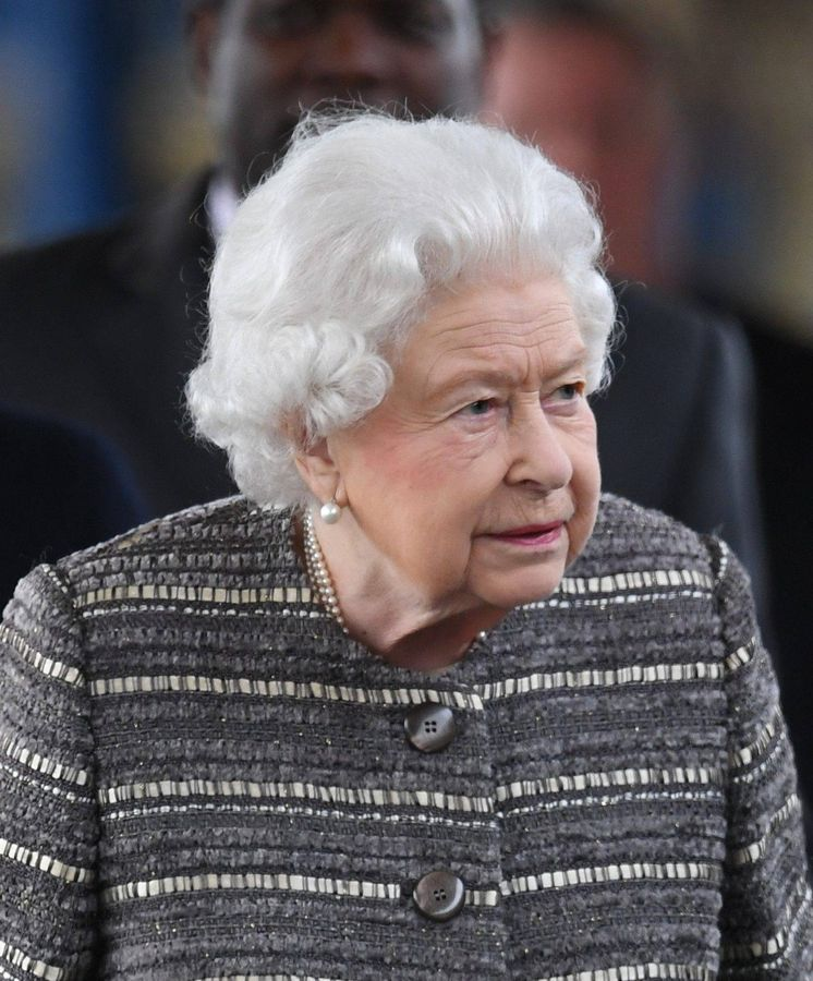 Foto: La reina Isabel abandonando Norfolk. (Cordon Press)