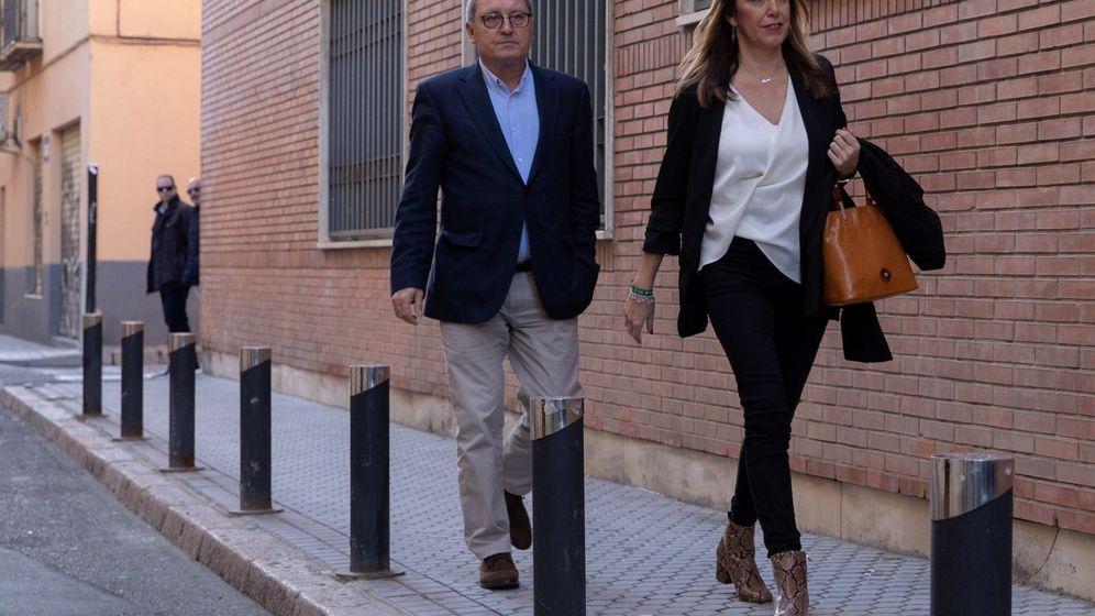 Foto: La presidenta andaluza en funciones, Susana Díaz, acompañada del secretario de Organización, Juan Cornejo. (EFE)