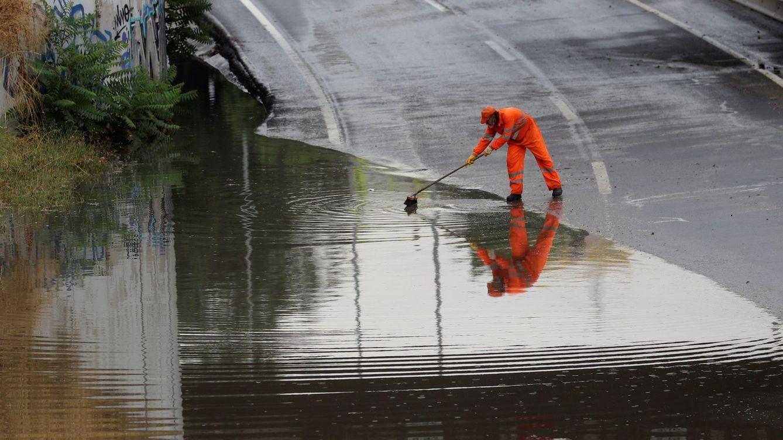 Una tromba de agua inunda el metro de Madrid en hora punta