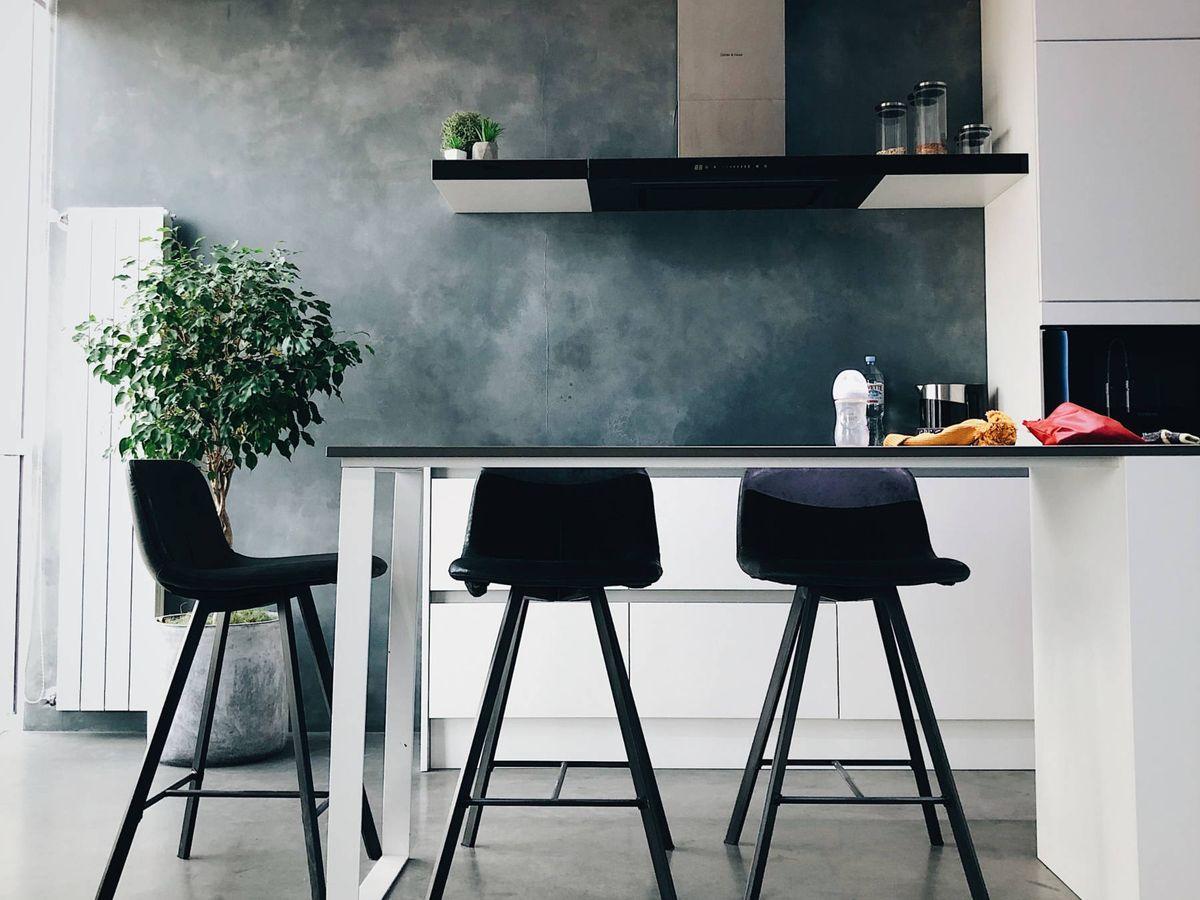 Foto: Decora tu cocina con papel pintado. (Vitaliy Zamedyanskiy para Unsplash)
