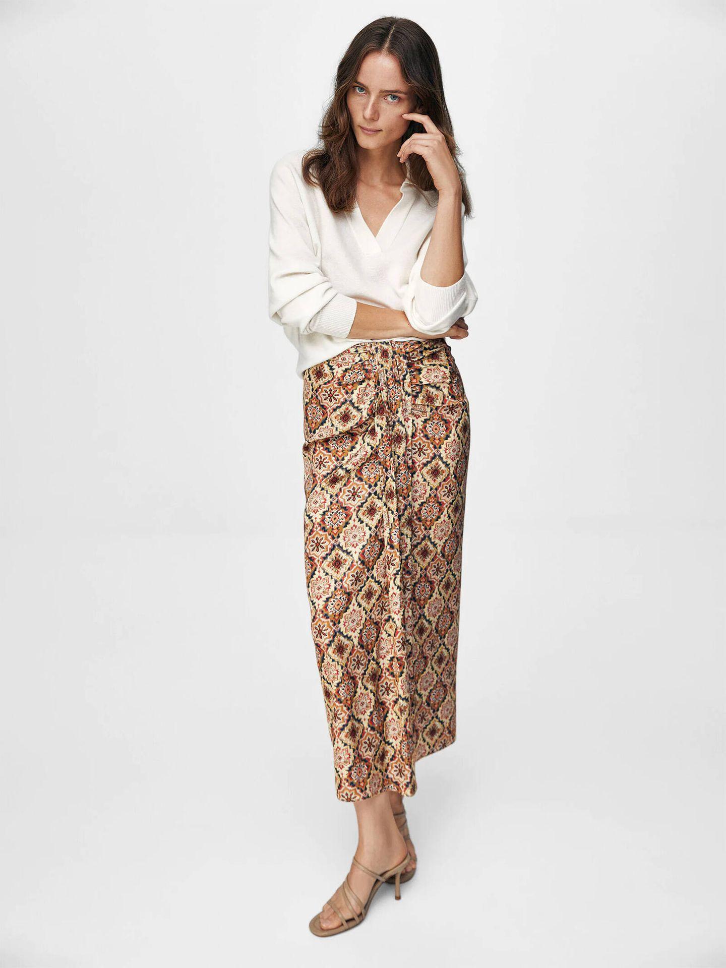 Una de las faldas de Massimo Dutti ideales para la vuelta al trabajo. (Cortesía)