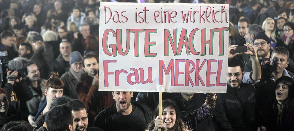 Foto: Una de las pancartas mostradas ayer en Atenas (Reuters)