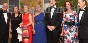 Post de Rajoy recupera sus tradiciones y acude al baile de gala del Casino de Pontevedra