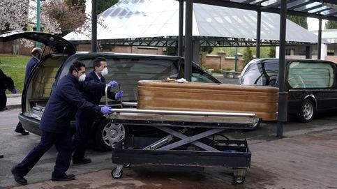 Madrid resiste: cadáveres en el Palacio de Hielo y el virus acecha a Moncloa