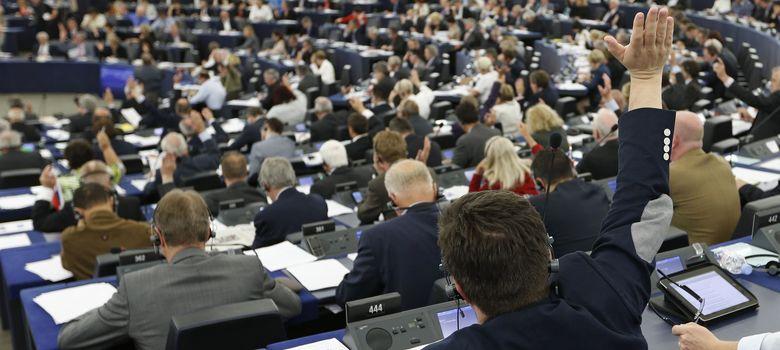 Foto: Miembros del Parlamento Europeo durante una votación en Estrasburgo