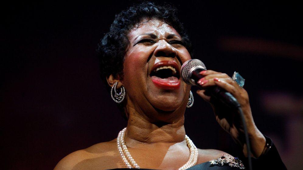 Foto: La cantante Aretha Franklin durante una actuación en 2011 (REUTERS)